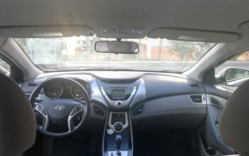 Забронировать Hyundai Elantra 2015